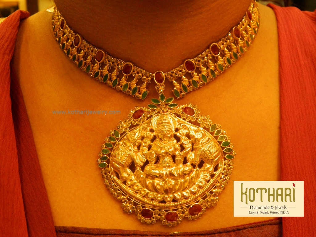 uncut_temple_diamond_necklace_set_1024