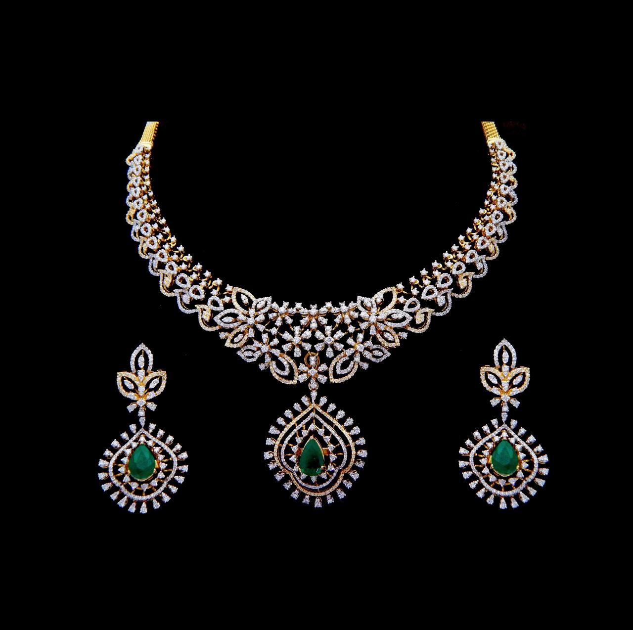 light weigh indian diamond necklace set