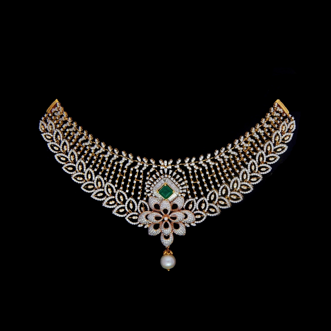 Who Accepts Amex >> Broad Diamond Necklace