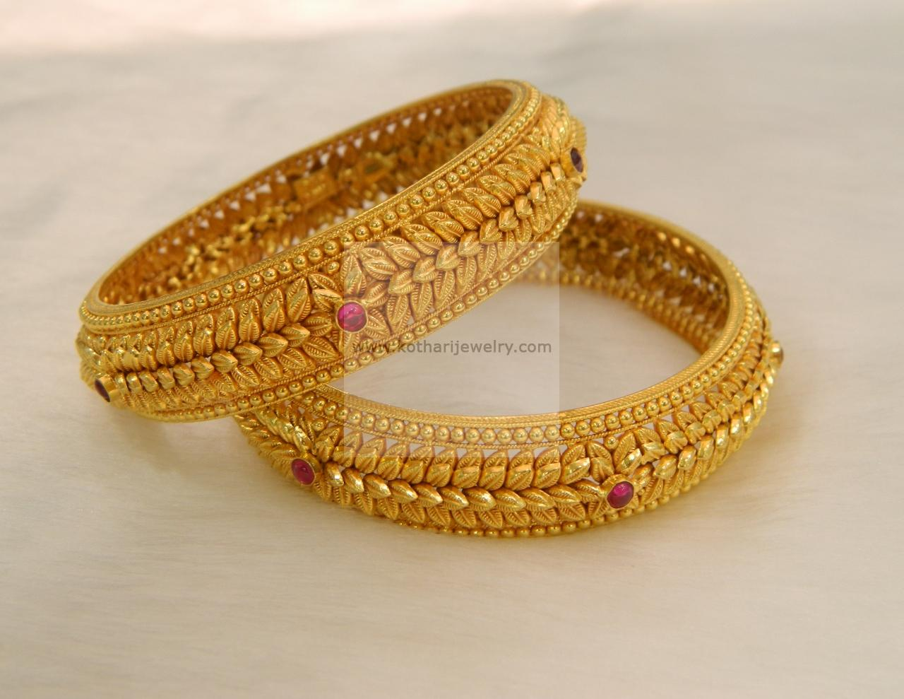 22kt Gold Bangle Kada Pair